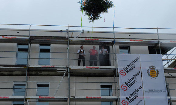 topping-out ceremony for the 39,000th Schwörer house took place in Ravensburg.