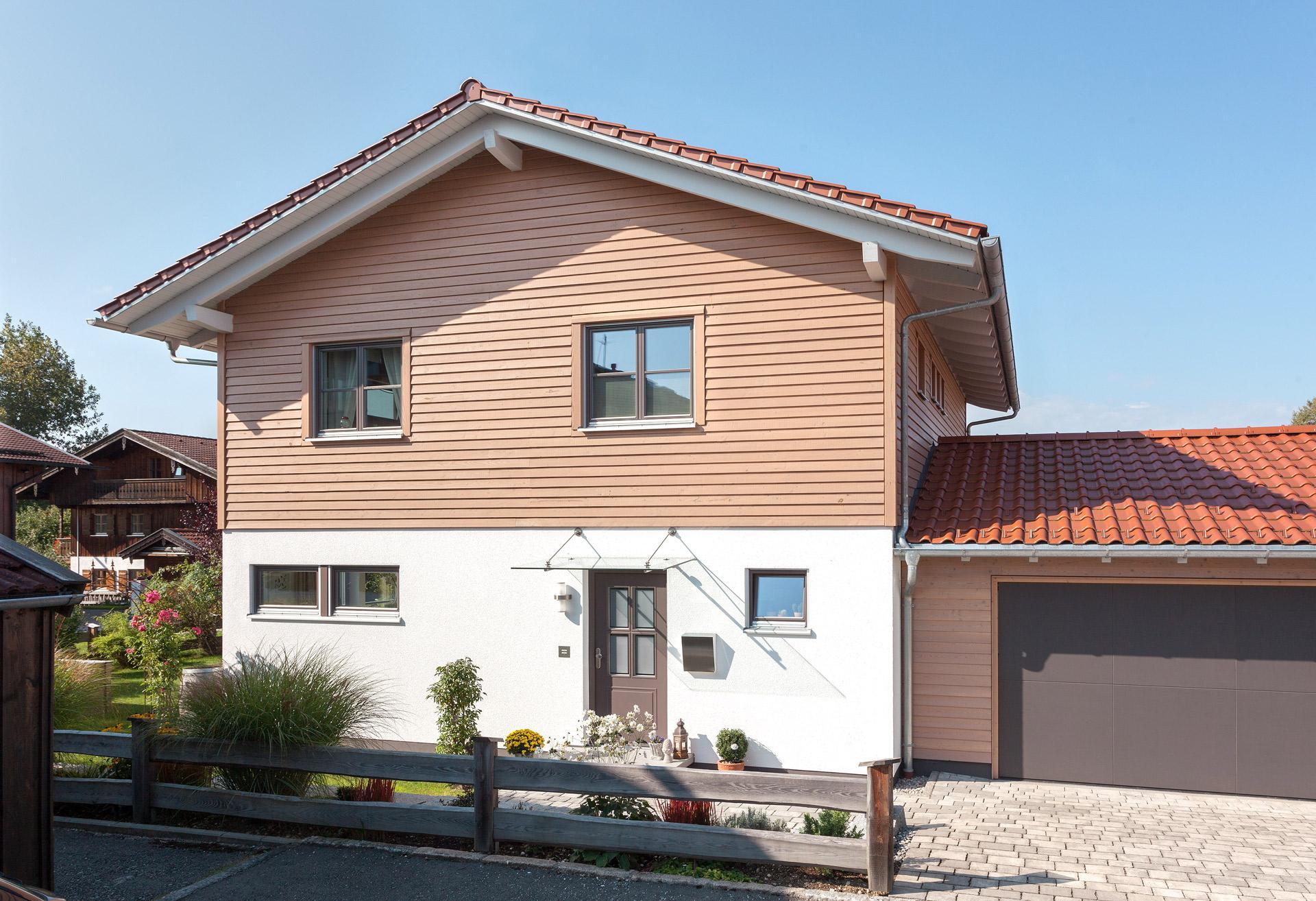 bavarian farmhouse schw rerhaus. Black Bedroom Furniture Sets. Home Design Ideas