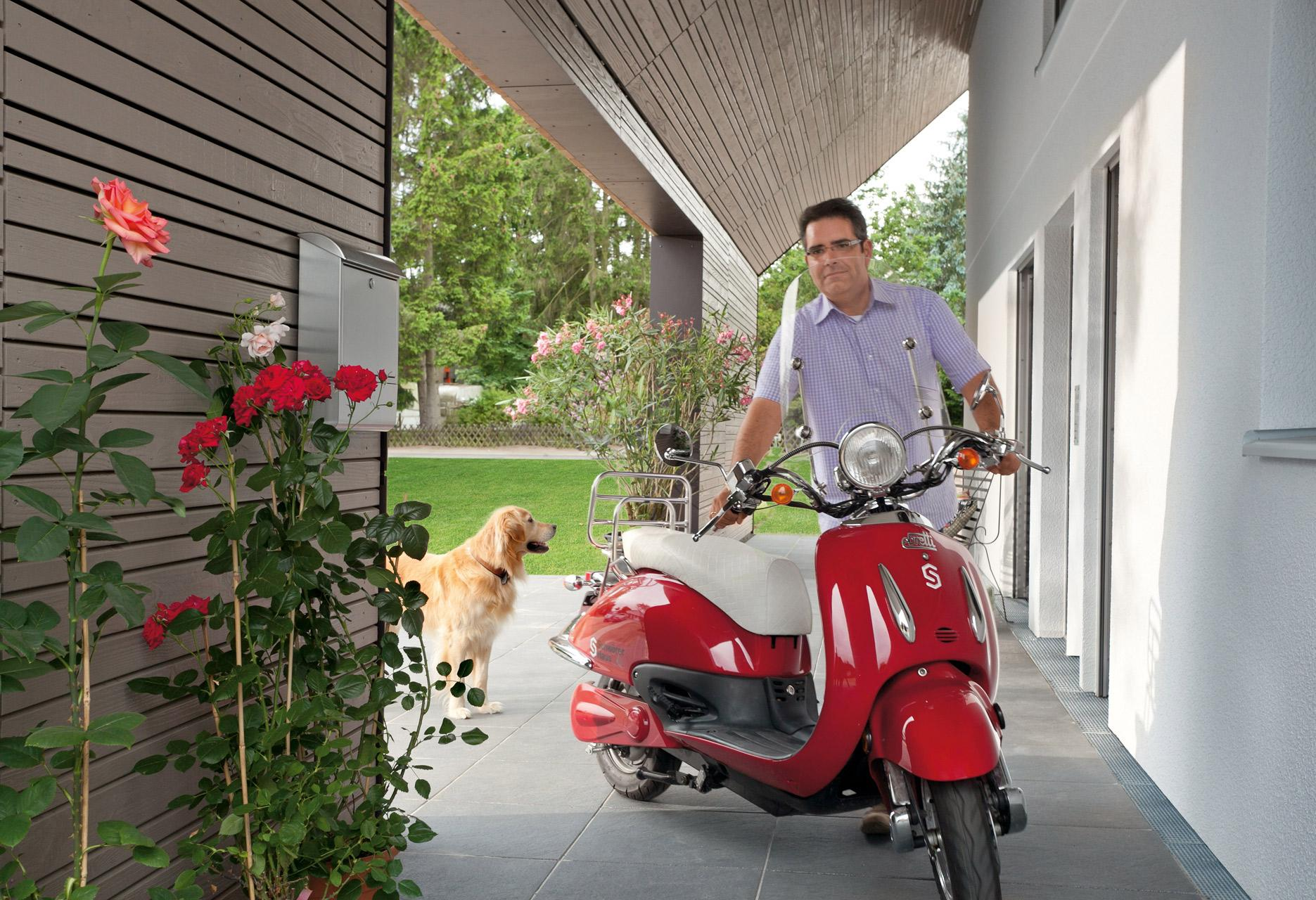 Electric scooter fueled with energy surplus of energy plus house