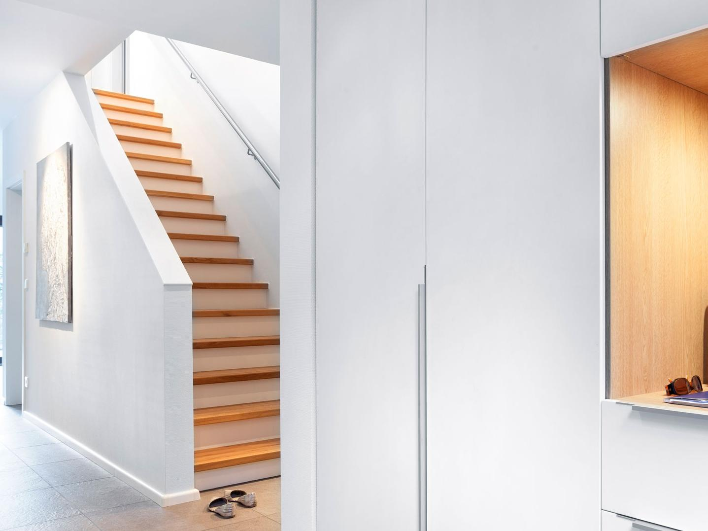 Stair Forms - Straight staircase with a simple handrail