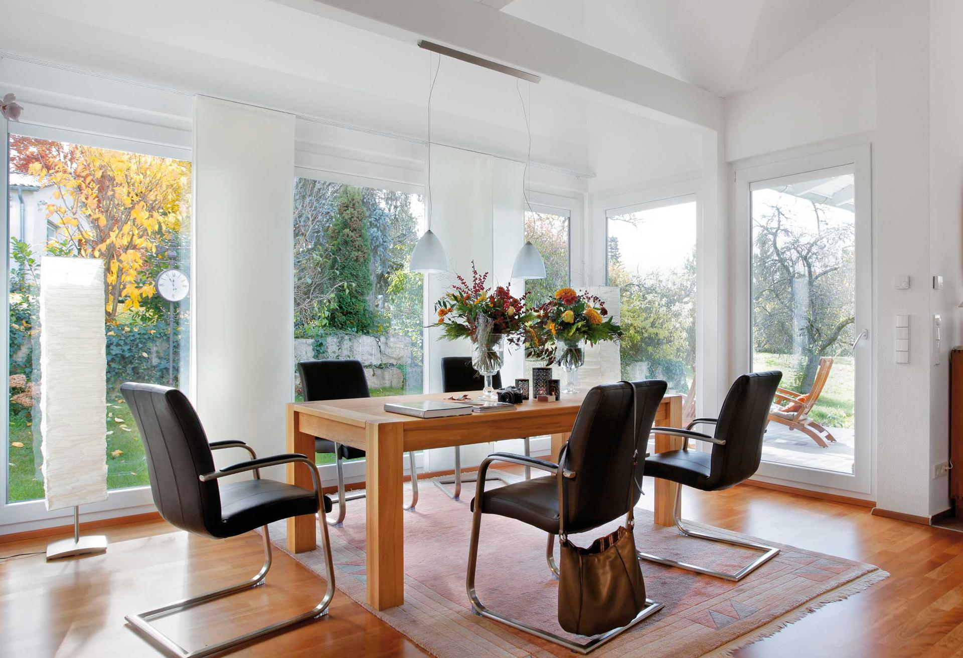 Open dining room completely glazed