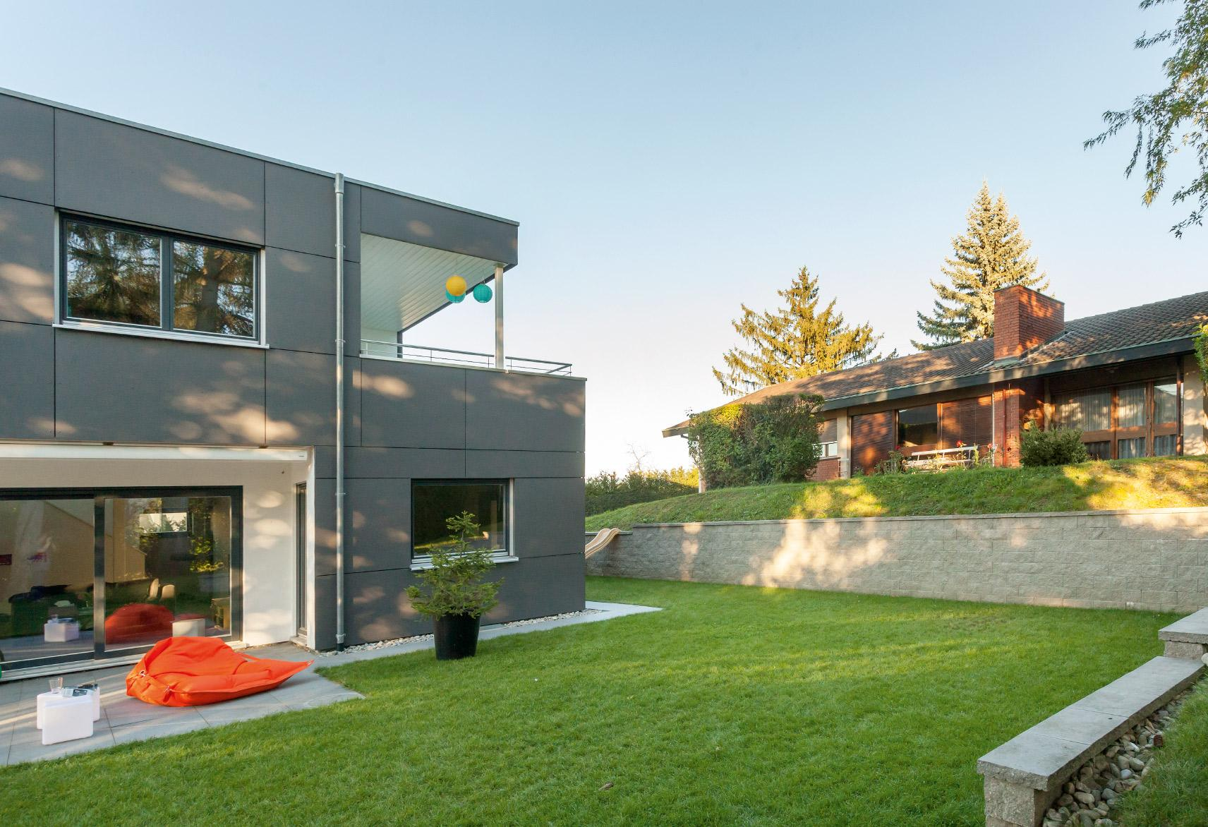 Modern detached house in Bauhaus style