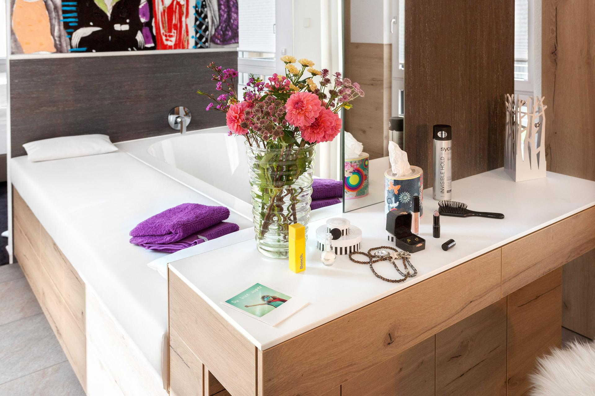 Wellness bath and dressing table