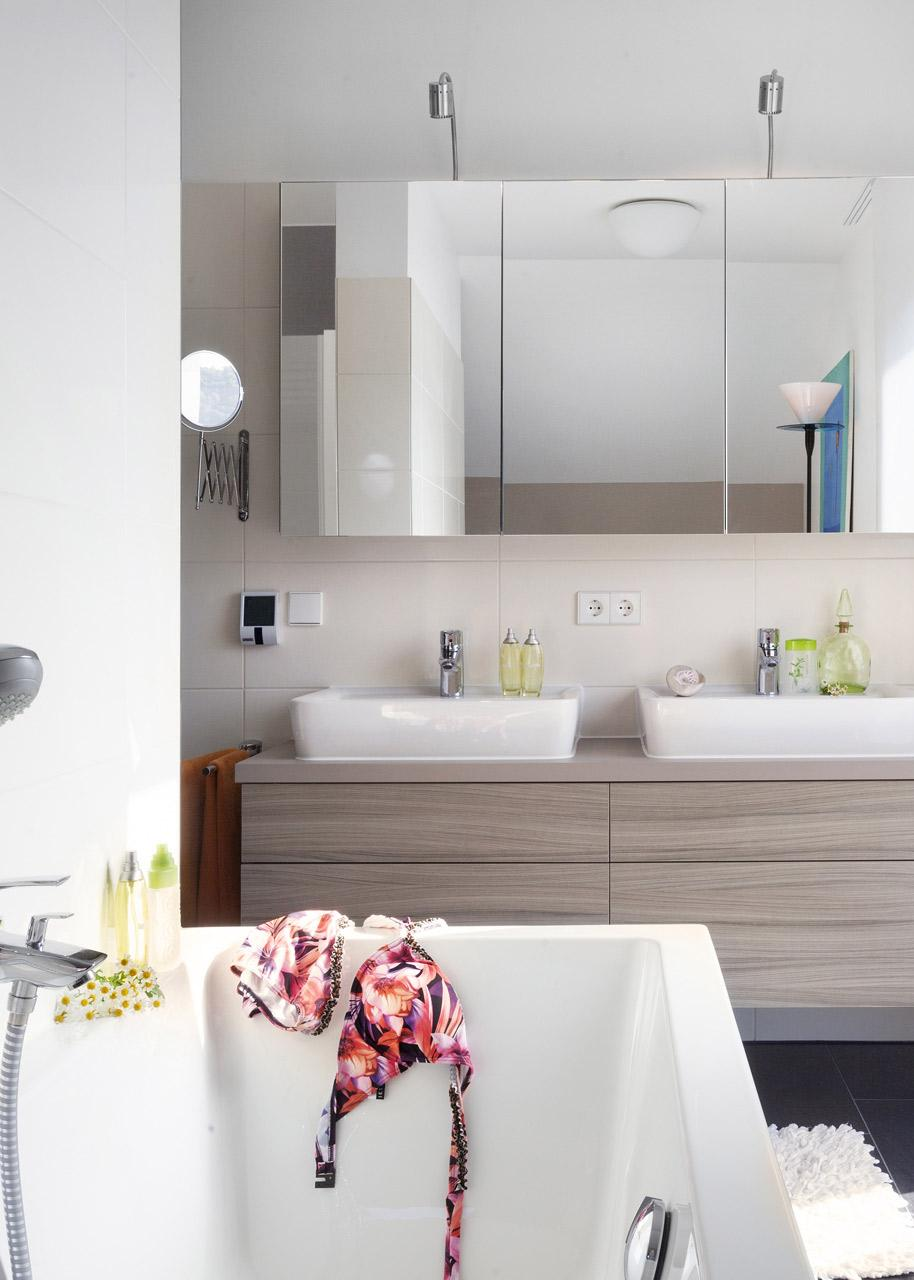 Modern and practical family bathroom