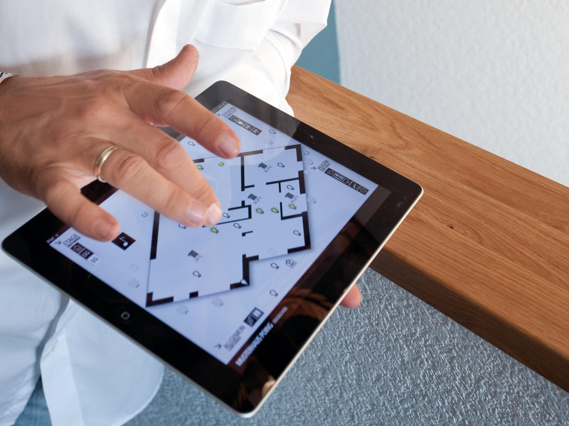 controllare il sistema Smart Home con il tablet