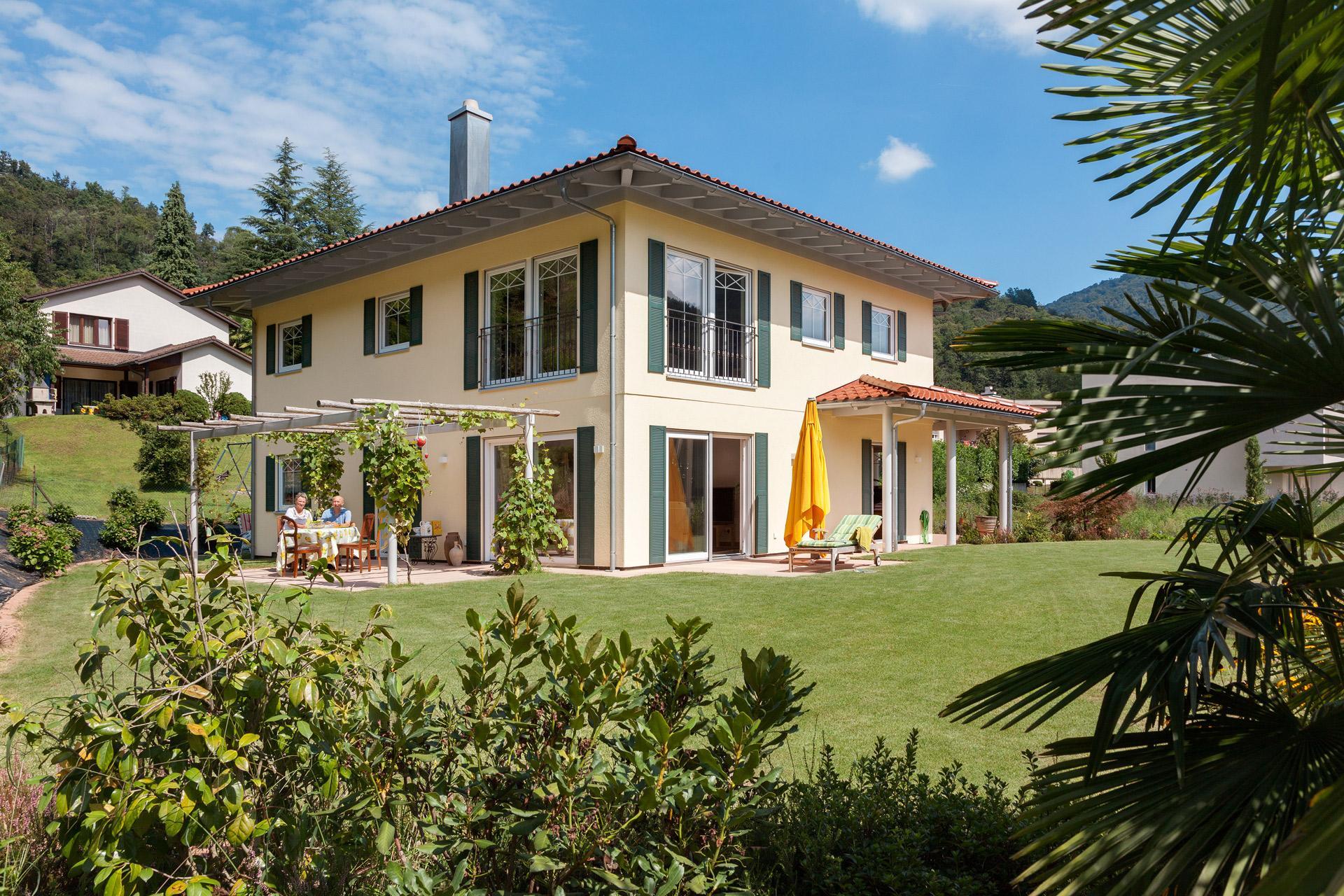 Case Prefabbricate Stile Francese : Casa in stile mediterraneo schwörerhaus